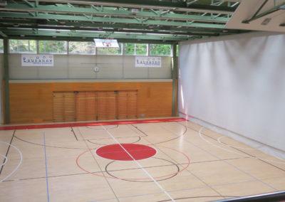 """Terrain de jeu, Centre sportif de la Vallée de la Jeunesse, CSVJ, assainissement énergétique d'un bâtiment construit selon le système """"CROCS"""" à Lausanne."""
