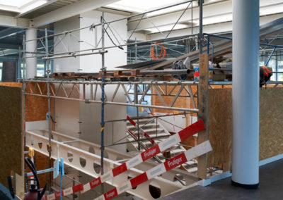 Assainissement énergétique de l'EPCL, construit selon le système «crocs», et surélévation d'un étage. Architecture, art, énergie.