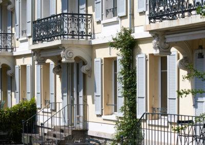 Assainissement énergétique d'un bâtiment de logements transformé en Guest-house, chemin des Epinettes à Lausanne. Prix solaire suisse 2002.